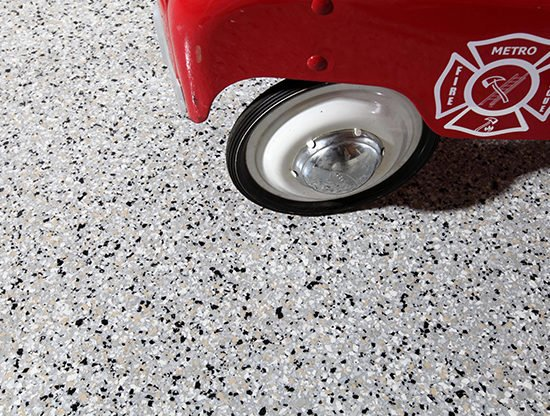 ColorFlakes-Fire-Station-Seamless-Flooring_sm-e1542208430943
